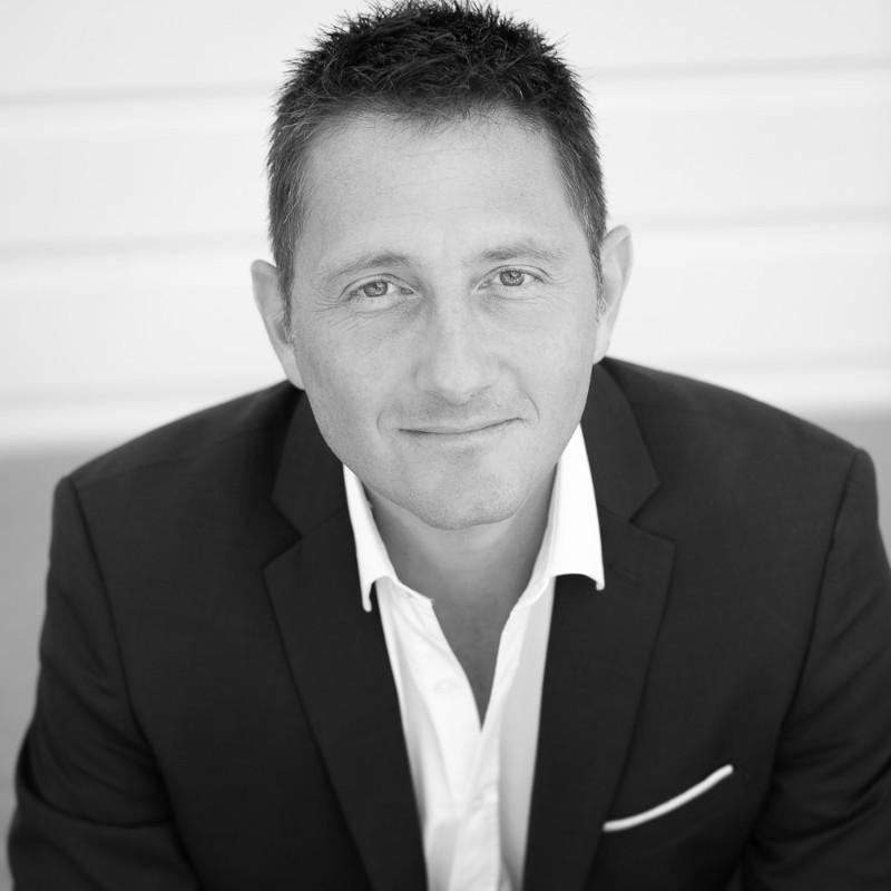 Julien Lescs, Family business expert